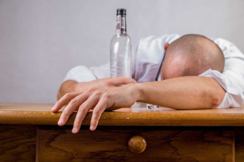 اثر مشروبات الکلی و مواد مخدر در دیرانزالی